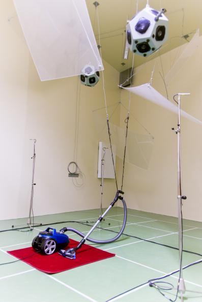 Electrolux og Siemens er stillest av støvsugerne, viser laboratoriets målinger av lydnivået. Foto: Tobias Meyer